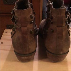 Halogen Shoes - Excellent Condition Halogen Brown Booties size 6.5